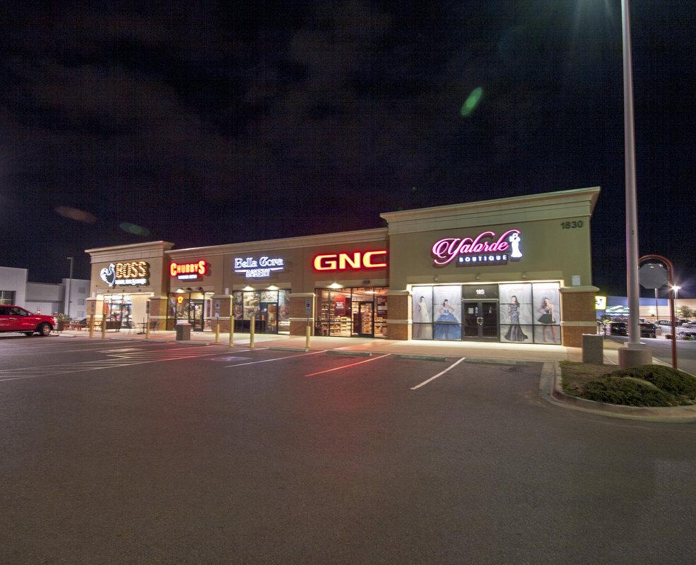 Shops at El Paseo