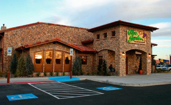 Olive Garden - El Paseo Marketplace